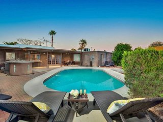 Delcoa Retreat ★ Modern 6br Scottsdale Pool-House