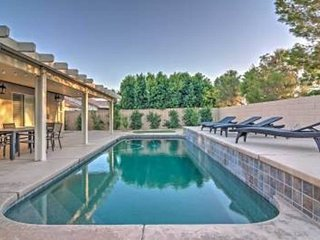 Updated Home in Palm Desert, minutes to everything
