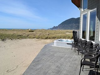 OCEAN BREEZE~Oceanfront w/hot tub and spectacular views! $100 OFF per night!
