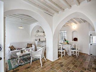 Casa do Gaibeu | Gorgeous 2 bedroom whitewashed renovated Fishermans cottage