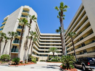 Spacious condo w/ shared pool, ocean & river views from balcony - beach nearby!