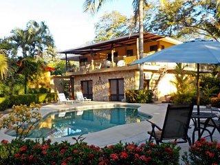 Villa Paz es un complejo de 5 apartamentos con piscina y zona de relax