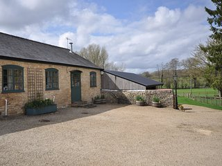 44960 Cottage situated in Bourton-on-the-Water (9mls SW)