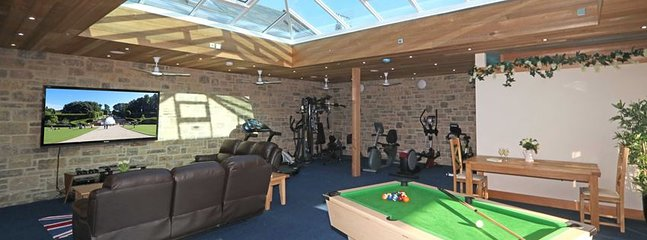 On-site leisure facilities with pool table