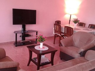 Cozy, large 3BR Apt, North Goa, at Alto Porvorim