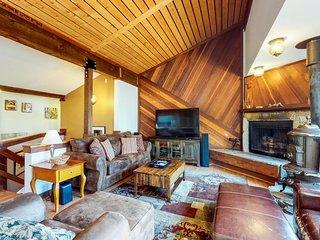 Lovely home w/ private deck & lake/mountain views - walk to golf, beach & town!