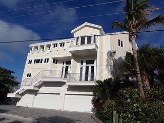 Luxury Hutchinson Island Vacation ~ Oceanfront w/Pool-Pier-Boat Lift