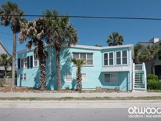 Lattitude Adjustment - Charming Pet Friendly Cottage w/ Ocean Views