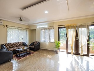 D'souza Lakeview Villa: 5BHK for Large Group Stay in Old Goa, North Goa!