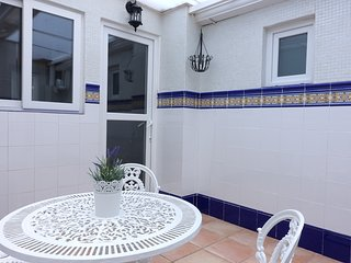 Valencia Beach-Ground floor flat, meters from the beach