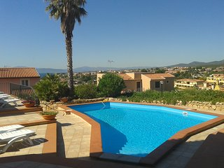 3 room apartment with swimming pool,trilocale con piscina condivisa vicino mare.