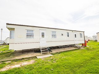 6 Berth Caravan in Seawick Holiday Park Ref 27497