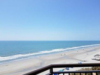Beachfront 2BR w/ 8th-Floor Ocean Views: Indoor & Outdoor Pools & Hot Tubs