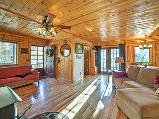 NEW! Waterfront Tall Tree Cabin on Table Rock Lake