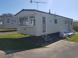 25 Culver Reach, 4 Bed Caravan with free seasonal entertainment passes