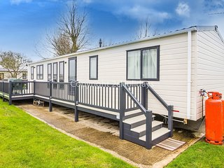 6 Berth Caravan in California Cliffs Holiday Park Ref : 50002 Lapwing