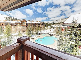 3BR w/ Pool, Hot Tubs, Game Room, Fitness Center & Balcony w/ Gorgeous Views
