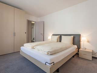 Zurich Apartment Sleeps 3 with WiFi - 5677048