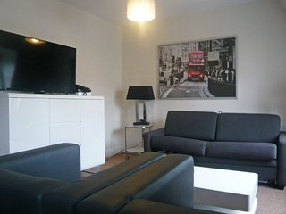 2 bedroom Apartment in Champs-Elysees, Ile-de-France, France : ref 5559585