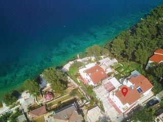 3 bedroom Villa in Okrug Donji, Splitsko-Dalmatinska Županija, Croatia : ref 556