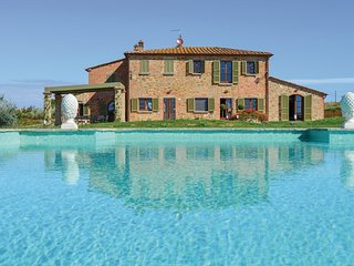 6 bedroom Villa in Via del Filo, Tuscany, Italy : ref 5550359