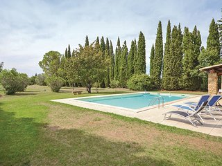 5 bedroom Villa in Travaillan, Provence-Alpes-Cote d'Azur, France : ref 5539410