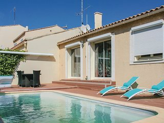 3 bedroom Villa in Gruissan, Occitania, France : ref 5542508