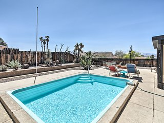 Lake Havasu Home w/ Pool - 2 Miles to Waterfront!