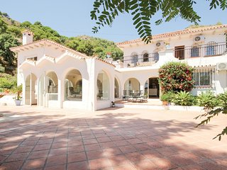 7 bedroom Villa in Ojen, Andalusia, Spain : ref 5549312