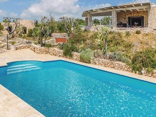 3 bedroom Villa in Pesculuse, Apulia, Italy : ref 5546137