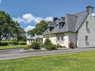 5 bedroom Villa in Yvias, Brittany, France - 5538909
