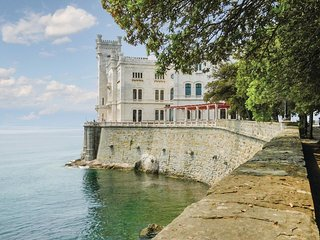 2 bedroom Apartment in Citta Vecchia, Friuli Venezia Giulia, Italy : ref 5551551