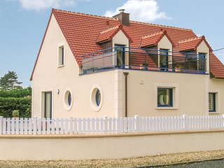 4 bedroom Villa in Plouneour-Trez, Brittany, France : ref 5538915
