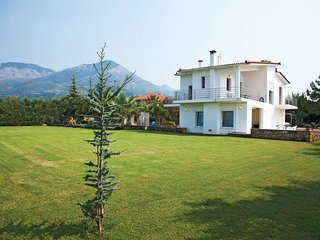 4 bedroom Villa in Kyparissia, Peloponnese, Greece : ref 5561597