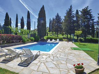 4 bedroom Apartment in Serra Pistoiese, Tuscany, Italy : ref 5543305