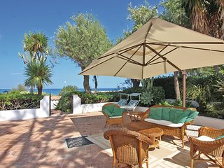 3 bedroom Villa in Marina di Bordila, Calabria, Italy : ref 5541121