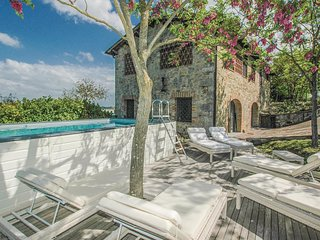3 bedroom Villa in Colombaiolo, Tuscany, Italy : ref 5546149
