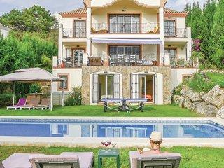 6 bedroom Villa in La Heredia, Andalusia, Spain : ref 5547249