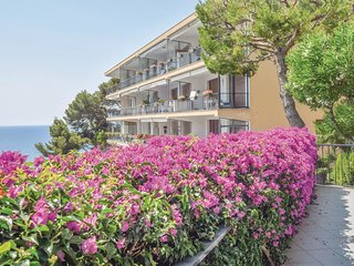 2 bedroom Apartment in Capo Mimosa-Rollo, Liguria, Italy : ref 5547515