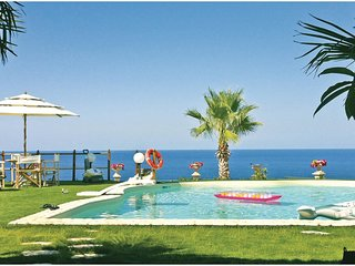 3 bedroom Villa in Torre Colonna-Sperone, Sicily, Italy : ref 5540082