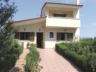 6 bedroom Villa in Mikros Valtos, Peloponnese, Greece : ref 5561617