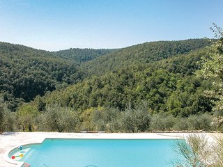 2 bedroom Villa in Farnetella, Tuscany, Italy : ref 5540420