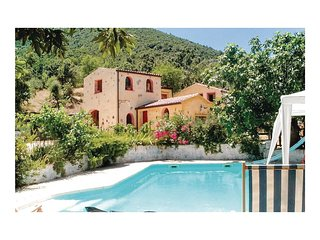 3 bedroom Villa in Orgosolo, Sardinia, Italy - 5540037