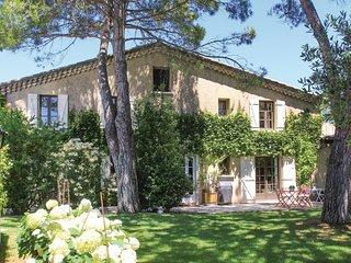 4 bedroom Villa in Montelimar, Auvergne-Rhone-Alpes, France : ref 5542428