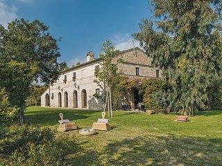 6 bedroom Villa in San Claudio Stazione-Trodica, The Marches, Italy : ref 554870