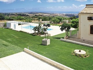 5 bedroom Villa in Casa Riola, Sicily, Italy - 5541046