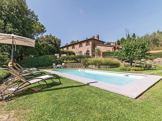 4 bedroom Villa in Le Corchie, Tuscany, Italy : ref 5540094