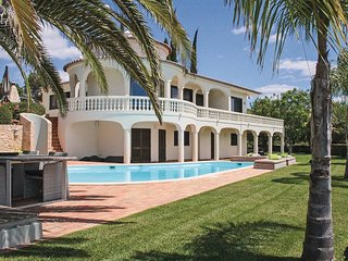 4 bedroom Villa in Cerro do Lobo, Faro, Portugal : ref 5550256
