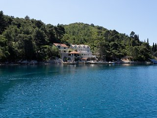 Seafront holiday villa for rent, Peljesac Peninsula