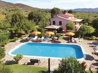 3 bedroom Villa in Castiglione della Pescaia, Tuscany, Italy : ref 5540319